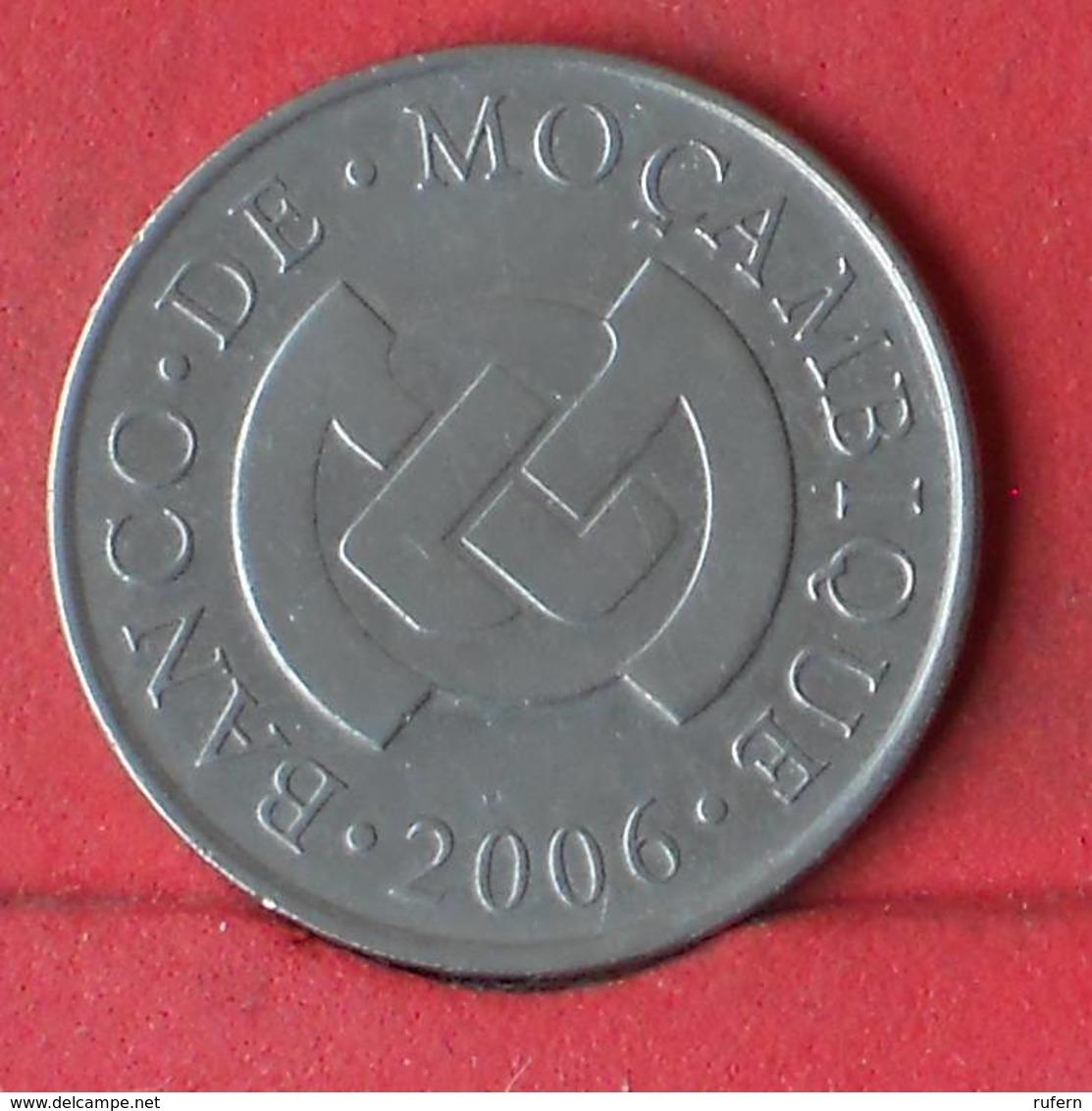 MOZAMBIQUE 5 METICAIS 2006 -    KM# 139 - (Nº29390) - Mozambique