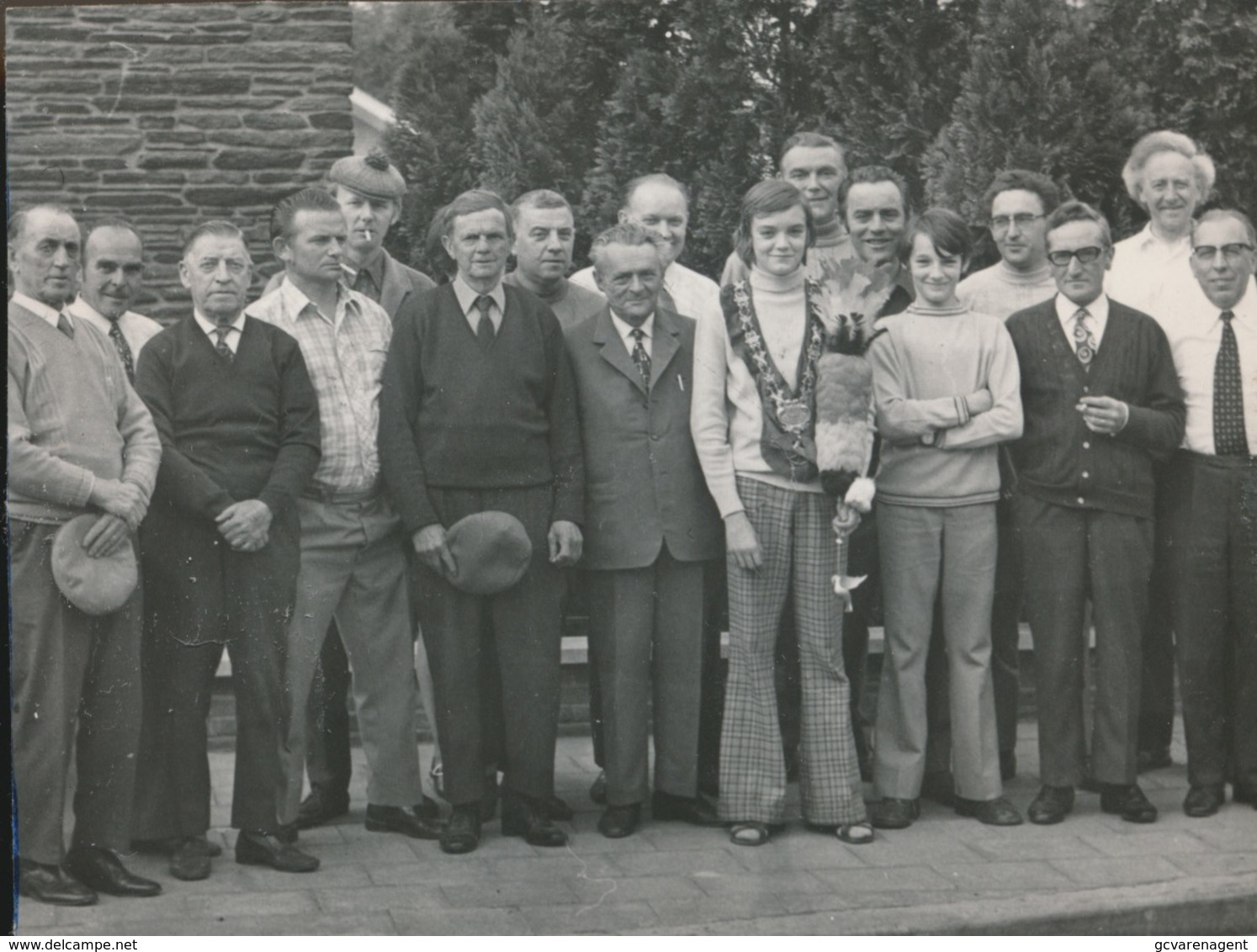 KALKEN    -- FOTO 1973   +-  8 X 8 CM  ---  SINT SEBASTIAANSGILDE IN FEEST - Laarne