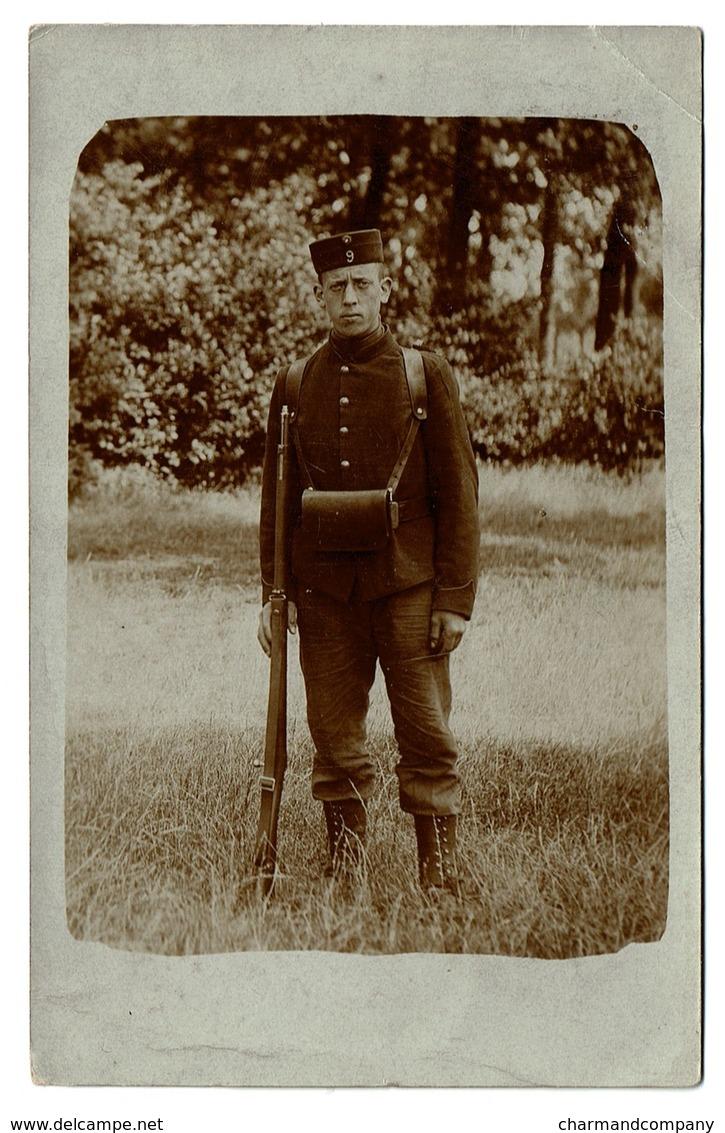 Carte Photo - Camp De Beverloo - Portrait D'un Jeune Militaire - 9e Régiment De Ligne ? - 2 Scans - Personnages