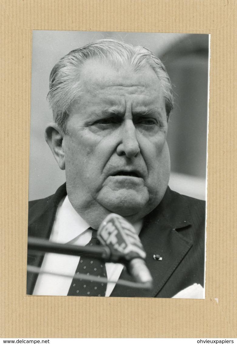 Photo Originale . Le Général  VERNON WALTERS Proche Du Président REAGAN  En 1986 - Guerre, Militaire