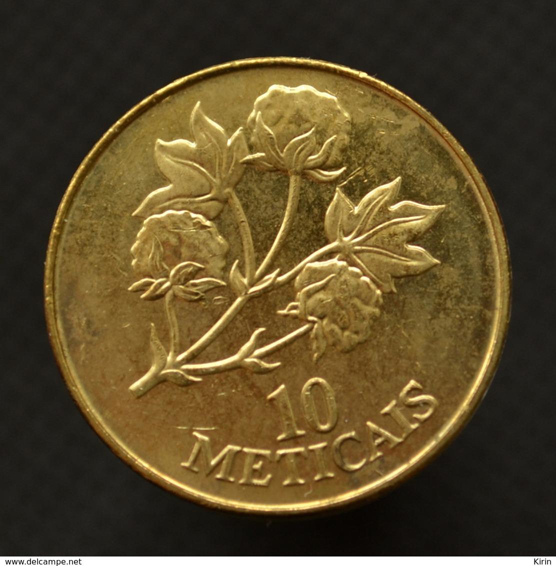 Mozambique 10 Meticais 1994. Km117. African Coin. UNC Flowers. Plants (Flora) - Mozambique