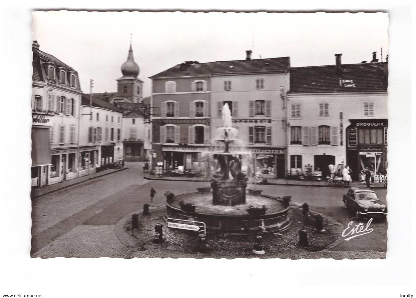 88 Remiremont Eglise Et La Fontaine Monumentale CPSM GF Edit Estel N°7347 Restaurant Boutique Commerce Vieille Voiture - Remiremont
