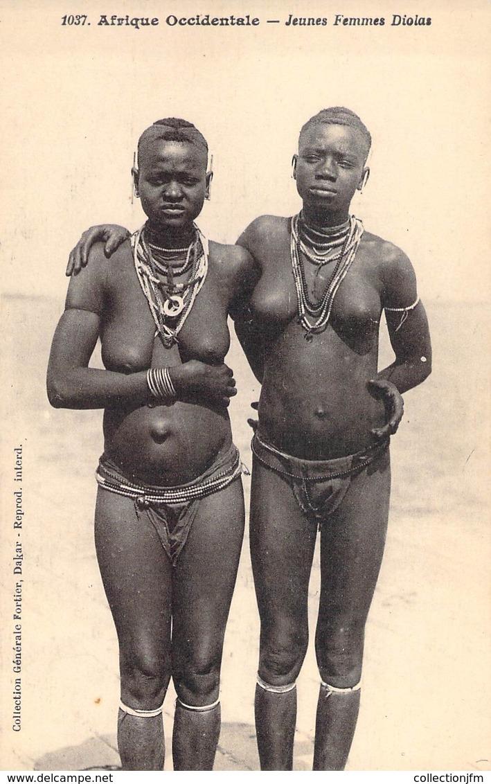 """CPA NU AFRIQUE """"Jeunes Femmes Diolas"""" / Ed. FORTIER - Africa Meridionale, Occidentale E Orientale"""