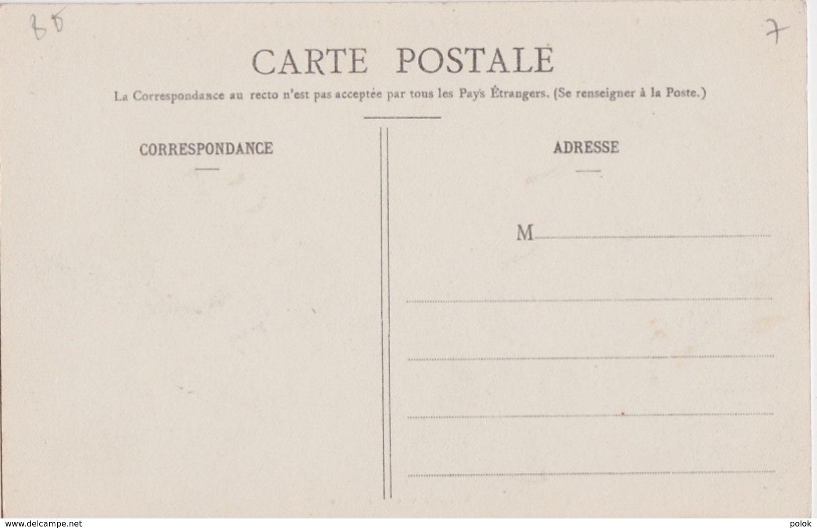 Bu - Belle Cpa CORCIEUX (Vosges) - Avenue Des Casernes - Arrondissement De St Dié - Saint Die