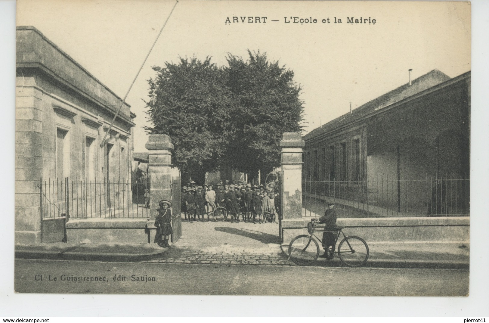 ARVERT - L'Ecole Et La Mairie - Andere Gemeenten
