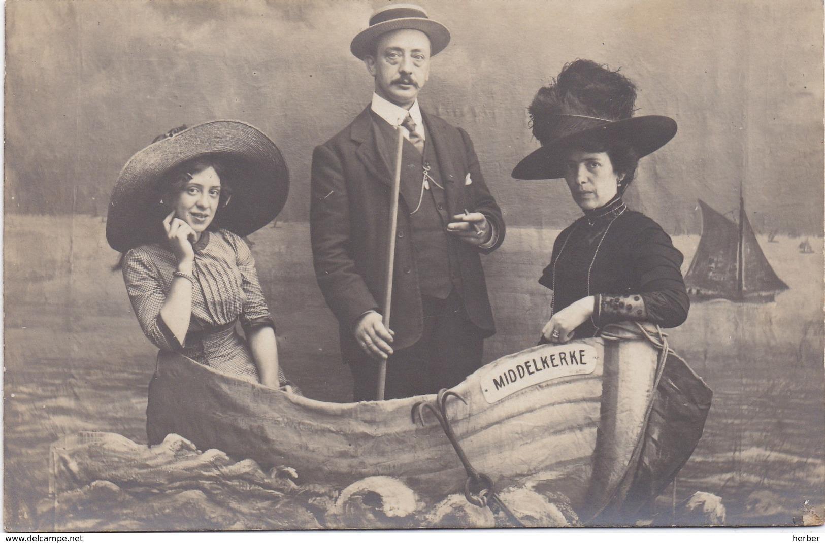 Carte Photo - Foto - MIDDELKERKE - 1910-1920 - Familie In Bootje - Middelkerke