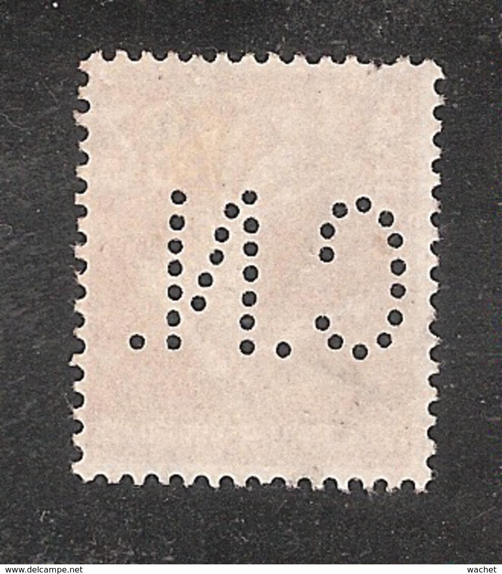 Perforé/perfin/lochung France No 235 C.N. Comptoir National D'Escompte (304) - Francia