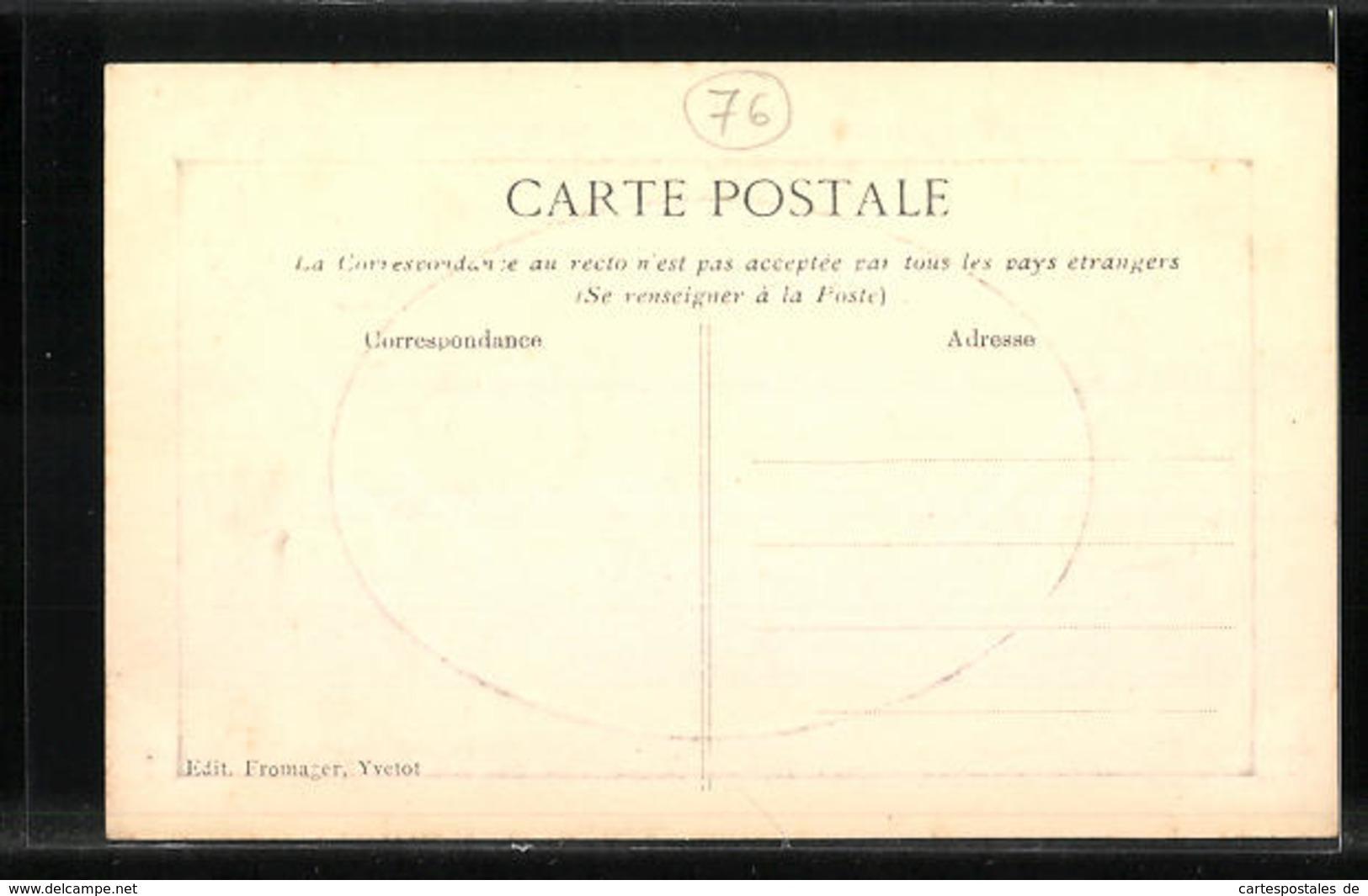 Passepartout-CPA Gaufrée Yvetot, Manoir Du Fay 1613 - Yvetot