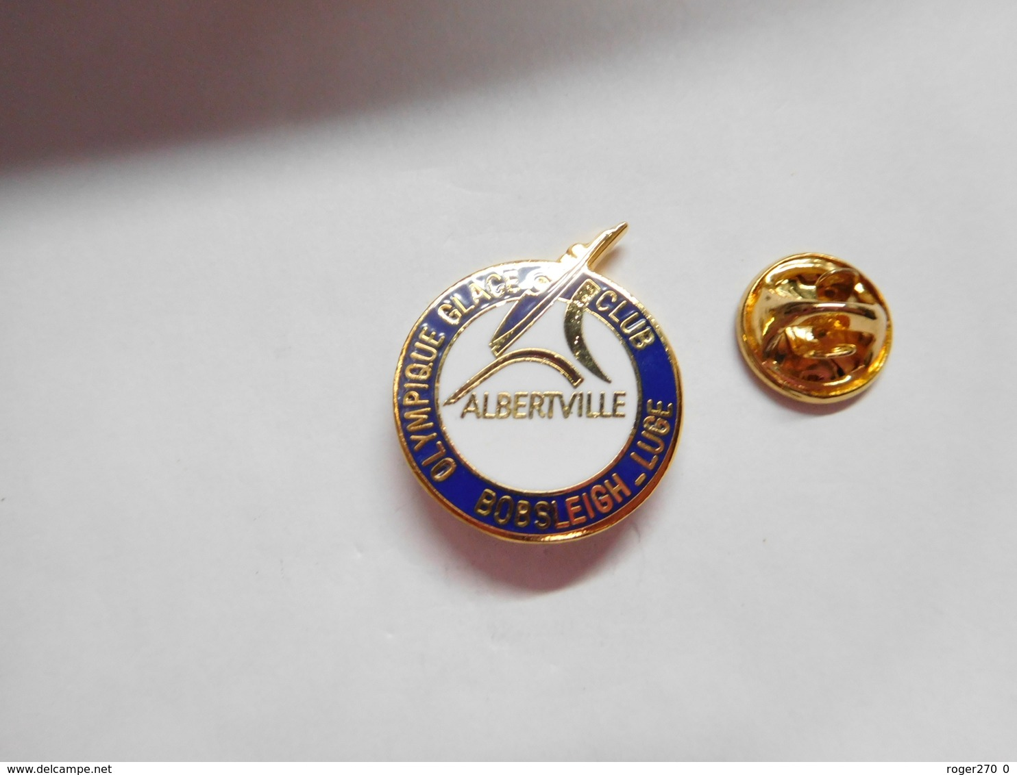 Superbe Pin's En EGF , Olympique Glace Club , Bobsleigh - Luge , Albertville - Pin