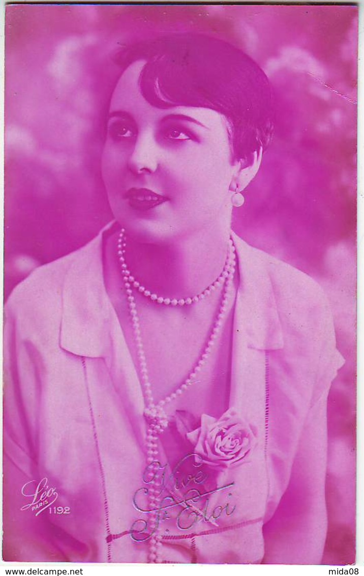 FANTAISIES . PHOTOGRAPHIE . JEUNE ET JOLIE FEMME . GARCONNE . VIVE SAINT ELOI  . LEO PARIS 1192 - Other