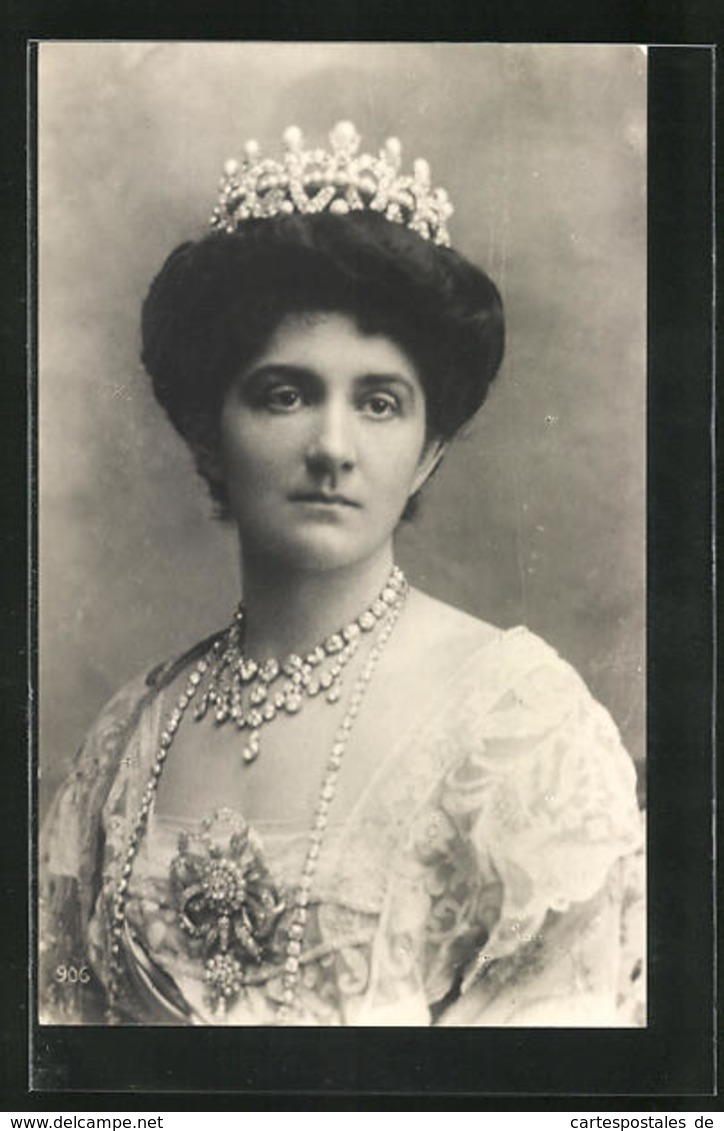 Cartolina Portrait Königin Helena Von Italien Mit Krone U. Halskette - Familles Royales
