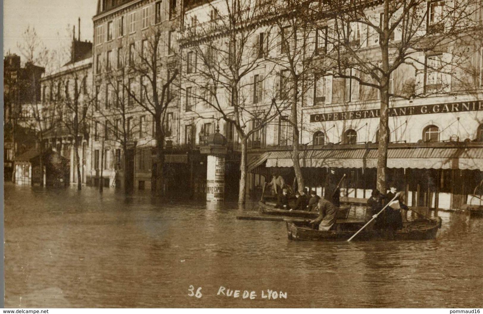 CPA Paris Rue De Lyon - Animée - Inondations De 1910