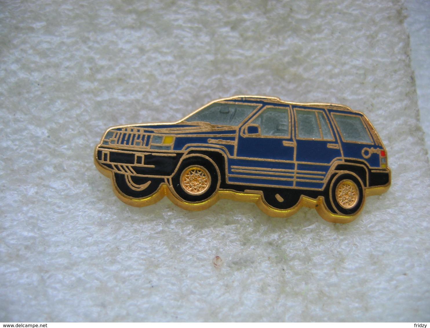 Pin's Ballard, Jeep De Chez Chrysler De Couleur Bleue - Sin Clasificación