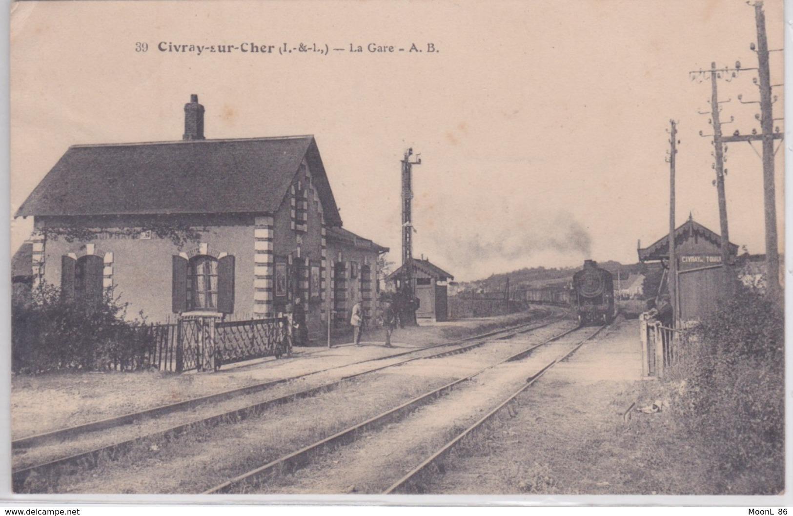 37 - CIVRAY DE TOURAINE - LIGNE TOURS VIERZON- GARE DE CIVRAY SUR CHER - Stations With Trains