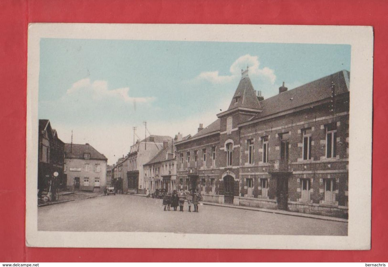 BERLAIMONT           La Grande ' Place Et La Mairie             59 - Berlaimont