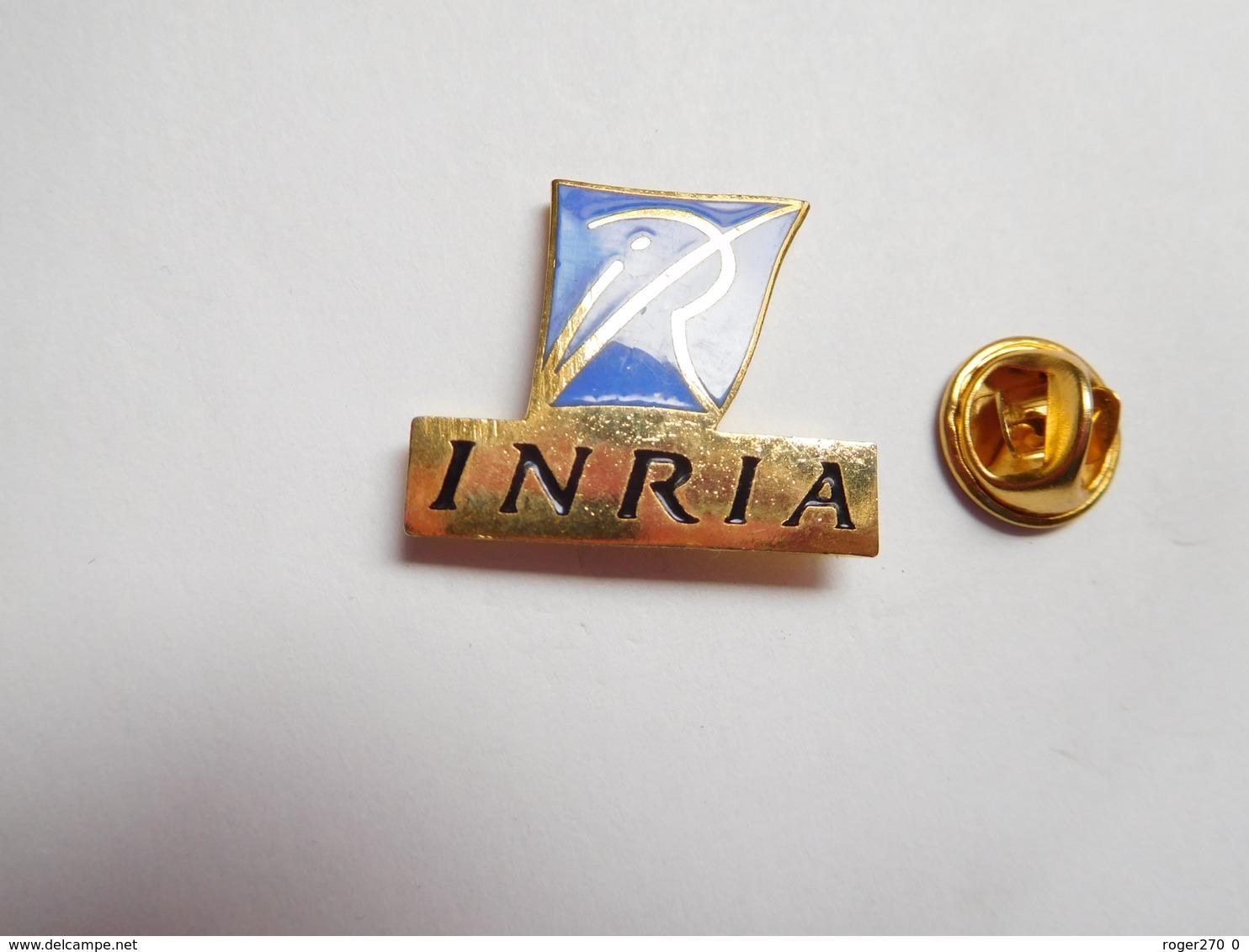 Superbe Pin's En EGF , Informatique , INRIA , Institut National De Recherche En Informatique Et En Automatique - Informatique