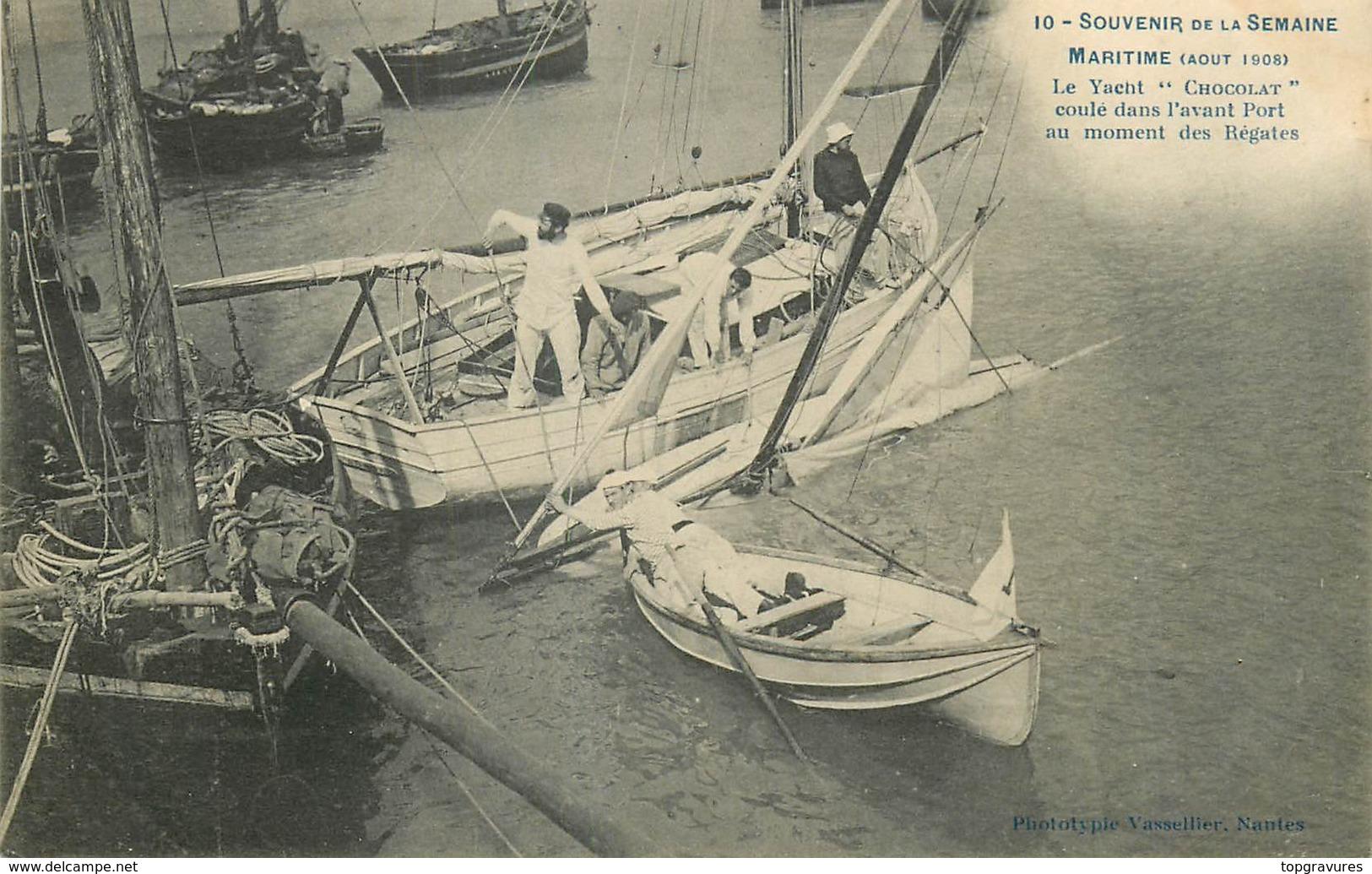 """Nantes-Souvenir De La Semaine Maritime-Le Yacht """"Chocolat"""" Coulé Dans L'avant Port Au Moment Des Régates - Nantes"""