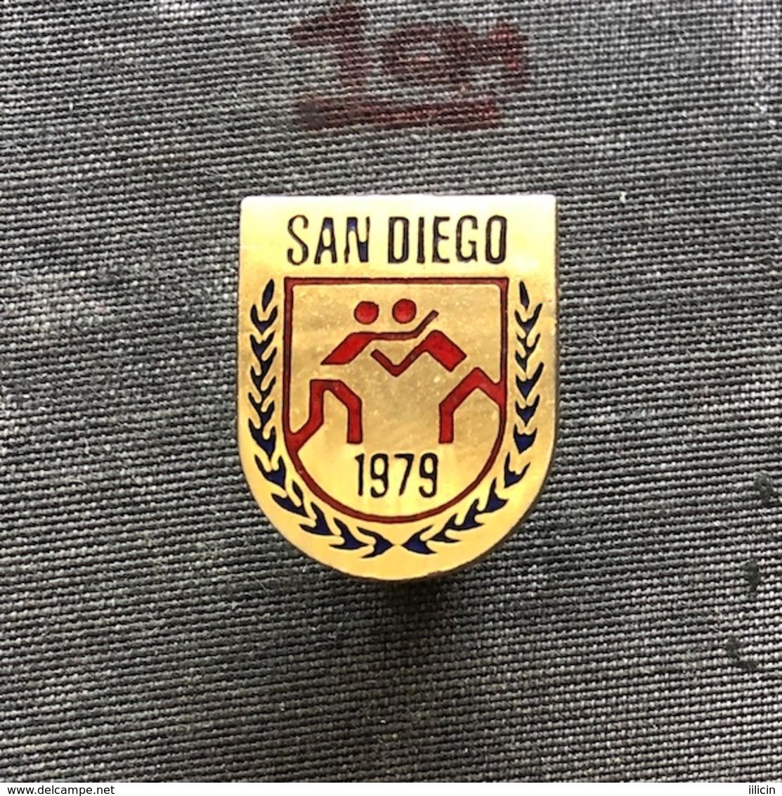 Badge Pin ZN008611 - Wrestling World Championships USA California San Diego 1979 - Worstelen