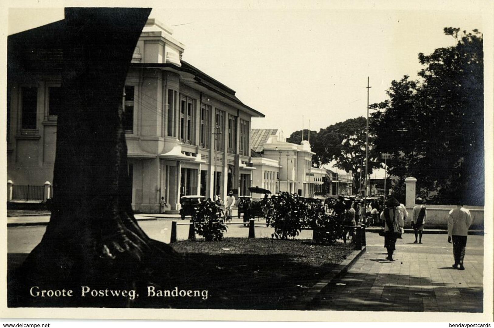 Indonesia, JAVA BANDUNG, Groote Postweg (1920s) RPPC Postcard - Indonesië