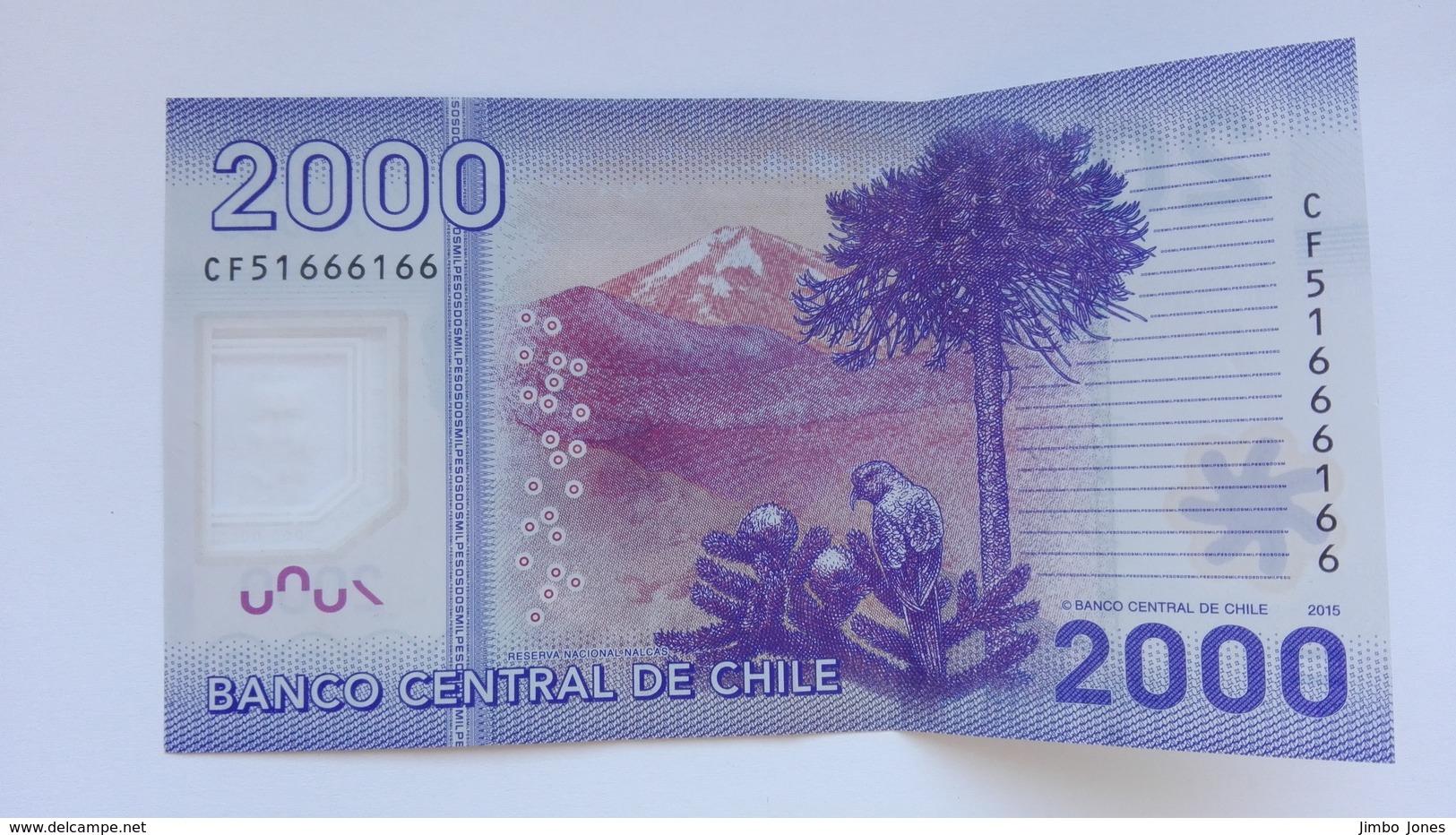 2000 Pesos Banknote Aus Chile Von 2015 (vorzüglich) - Chili