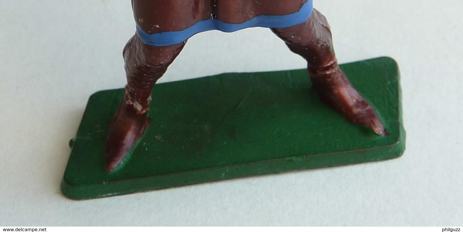 FIGURINE STARLUX -  SOLDAT MEDIEVAL CHEVALIER   MPC34 CROISE HACHE D'ARMES 1966 - Starlux