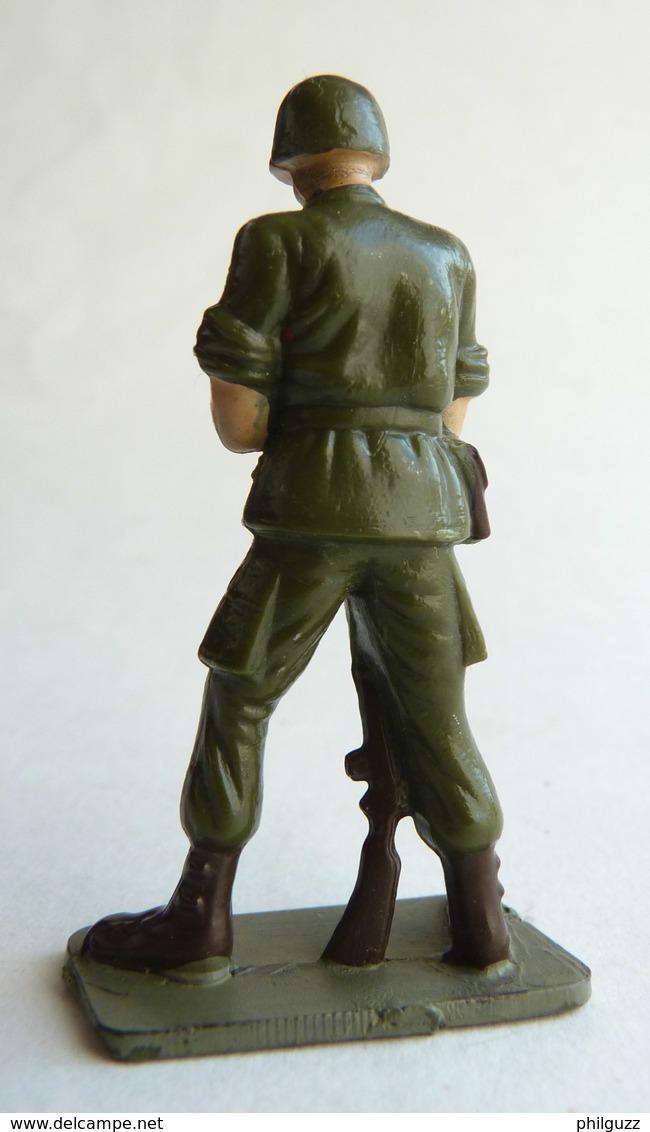 SOLDAT FIGURINE FIG STARLUX 1966 PARA CASQUE REGARDANT SA MONTRE P1 ARMEE MODERNE (1) - Starlux