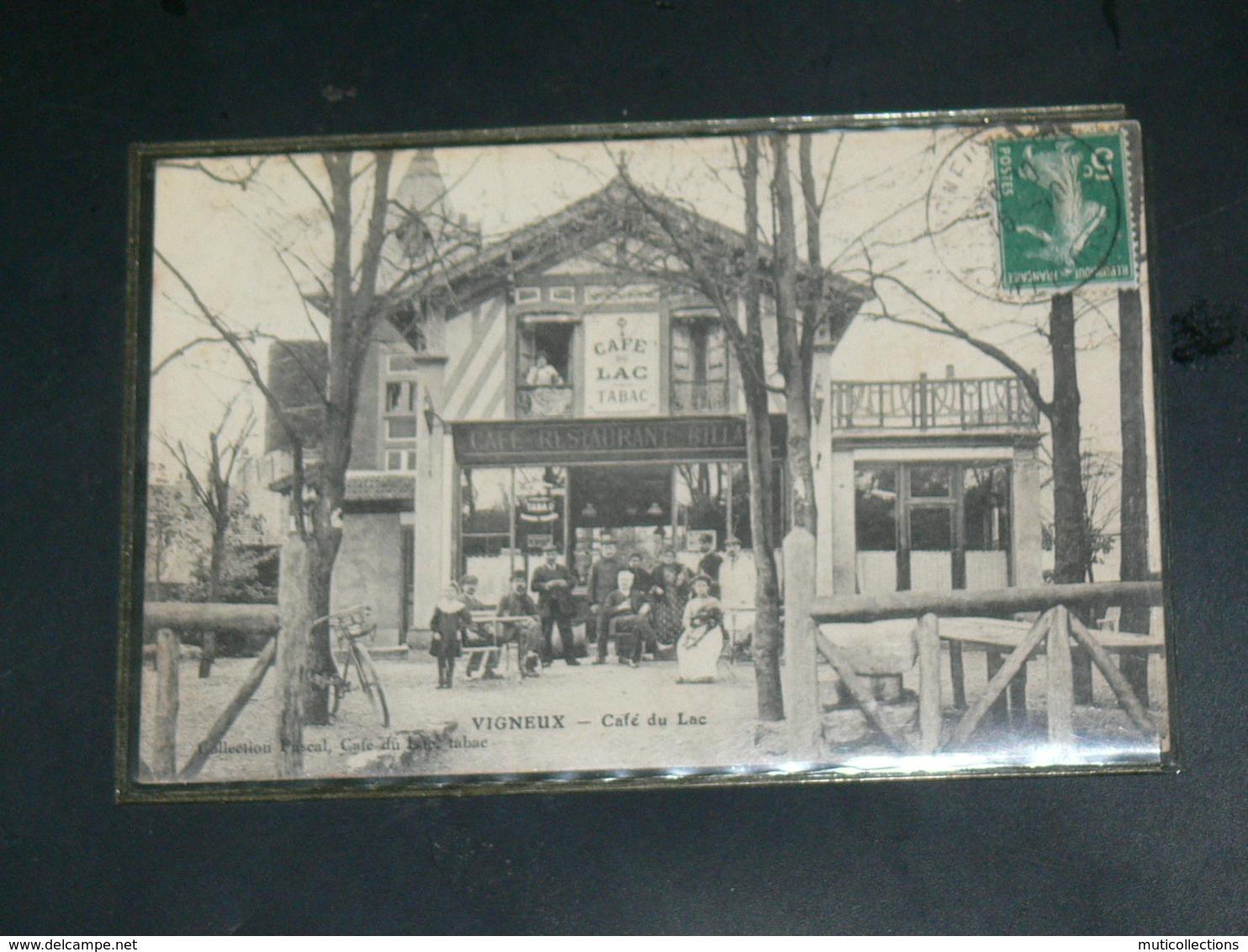 """VIGNEUX SUR SEINE    / 1910 /    VUE  DEVANTURE COMMERCE ANIME """" CAFE DU LAC """" / CIRC /  EDITION - Vigneux Sur Seine"""