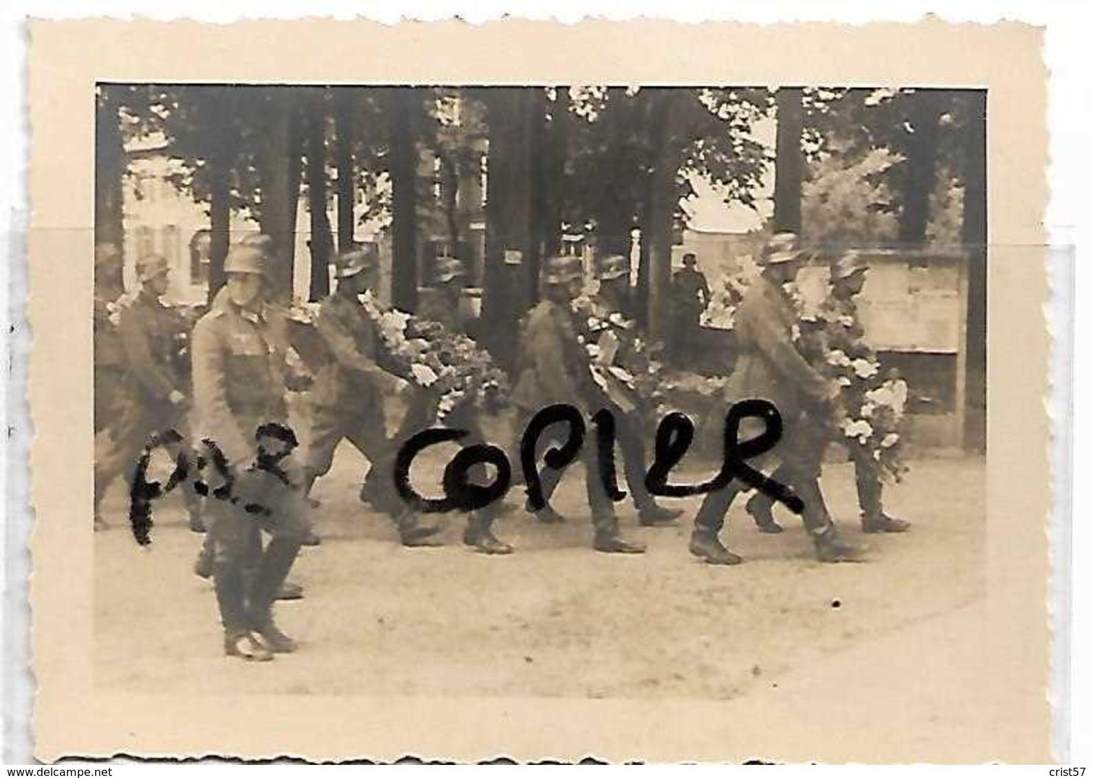 TINLOT SENY  AOUT 1940  ENTERREMENT OFFICIER ALLEMAND - Tinlot