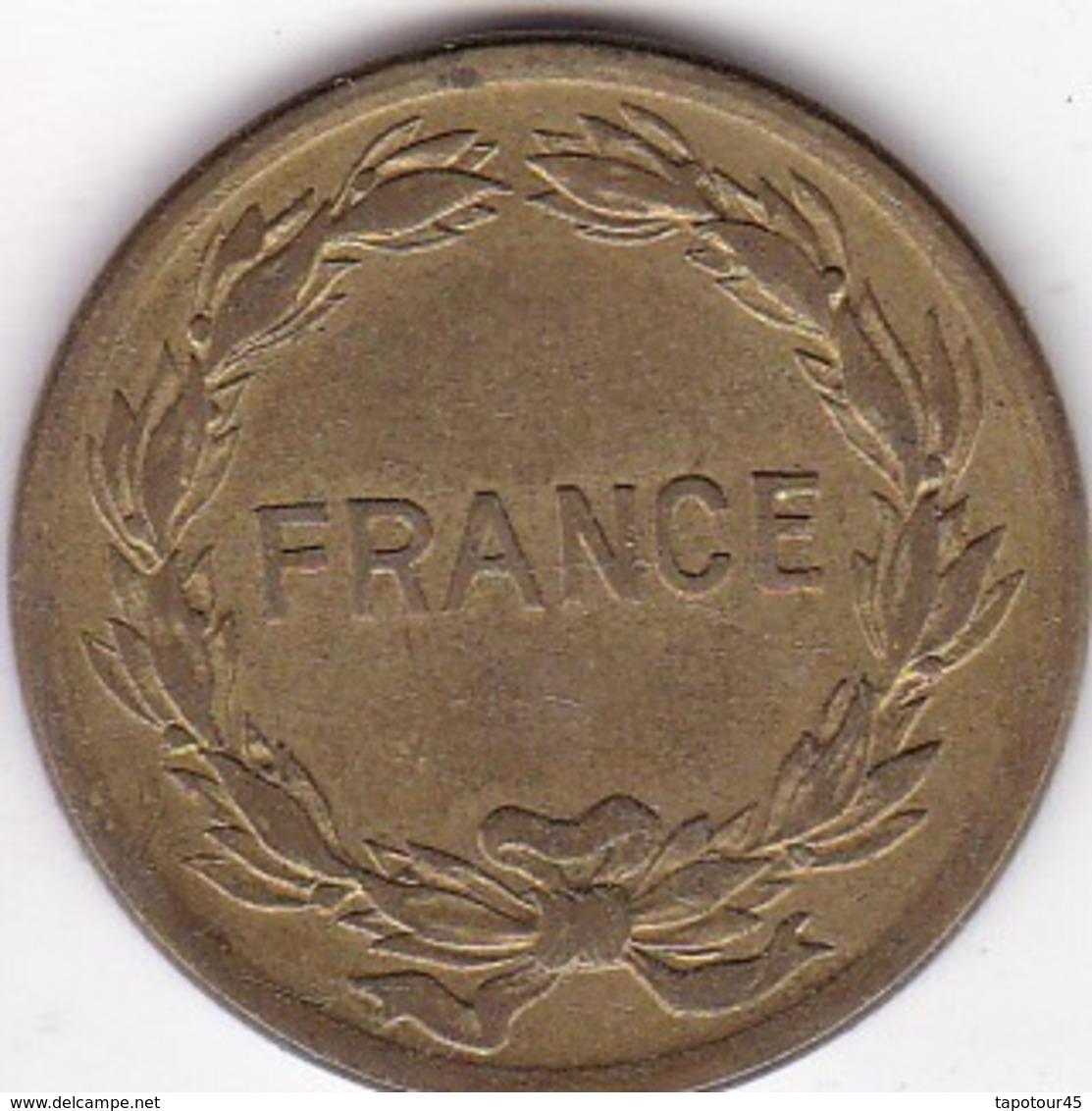 Monnaies  France  Frappée Aux USA A Philadelphie Apportée Par Les Américains Elle A Circulé Sud France Et Algérie (19) - France
