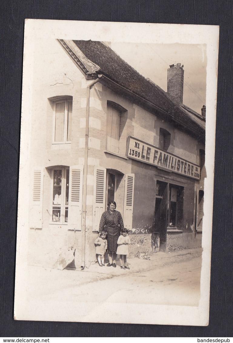 Carte Photo Marcilly Sur Seine Mme Jean Guillaume Et Enfants Dvt  Magasin Familistere Succursale 1350 Commerce Epicerie - France
