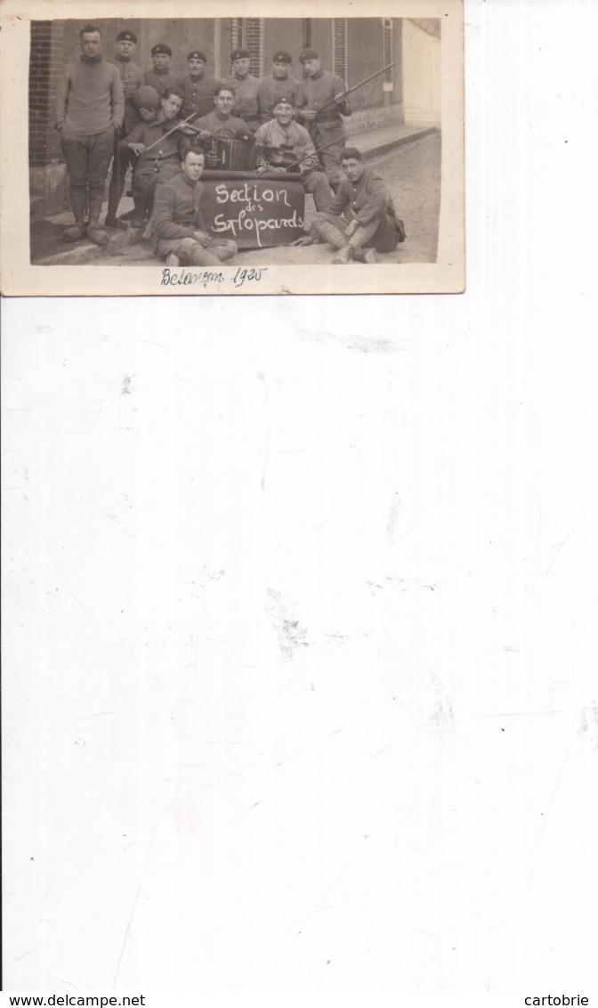 """CARTE-PHOTO 506è RCC Groupe De Tankistes Militaires Avec Violon Et Accordéon - """"Section Des Salopards"""" à Besançon - 1925 - Regimenten"""
