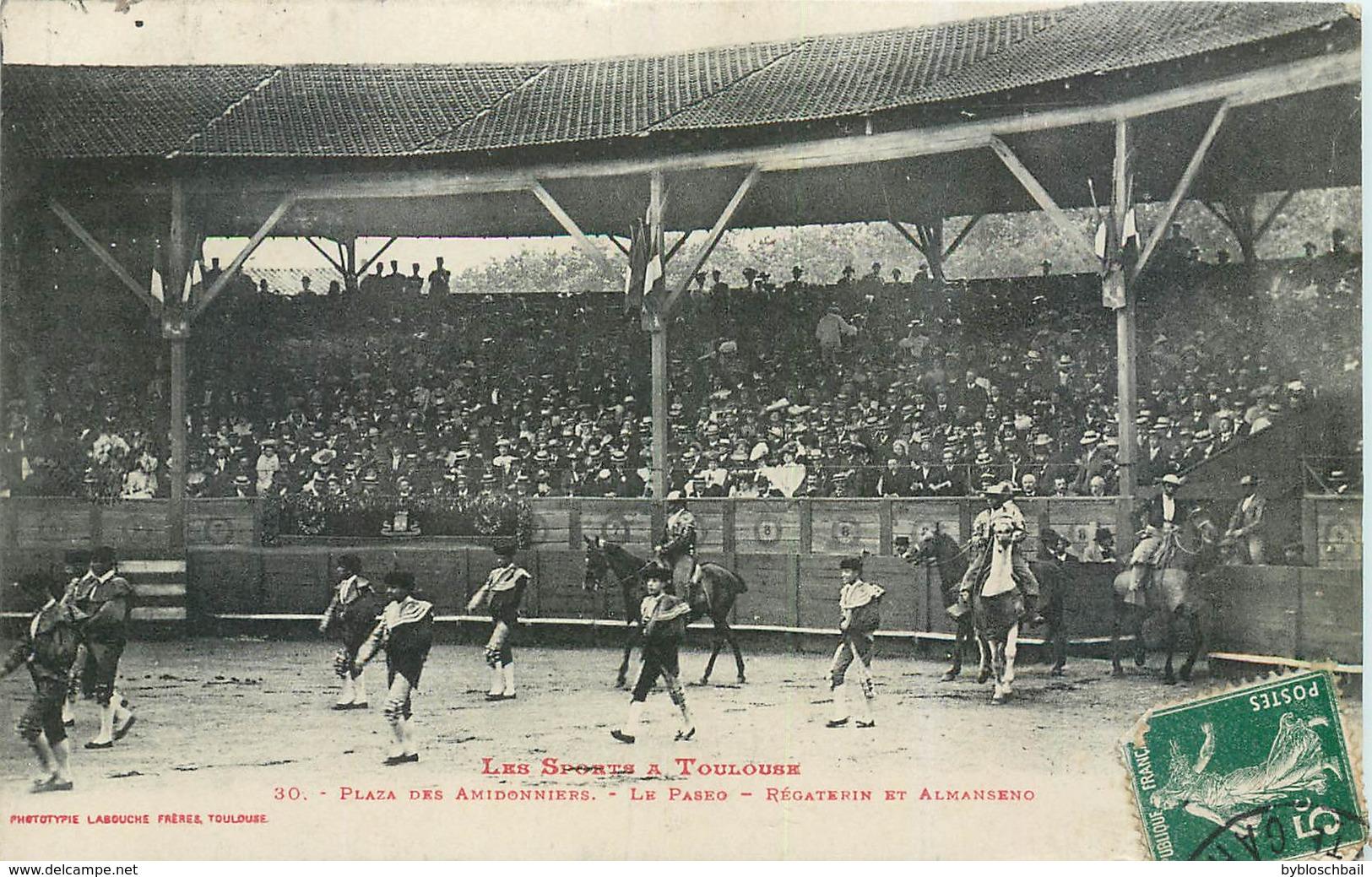 CPA 31 Haute Garonne Les Sports à Toulouse Plaza Des Amidonniers Le Paseo Régaterins Et Almanseno - Toulouse