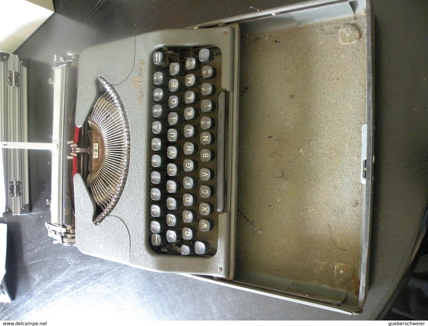 Machine à écrire Portable Ultra Plate ROOY Coffret Coulissant Bel Objet De Déco ! - Autres Collections