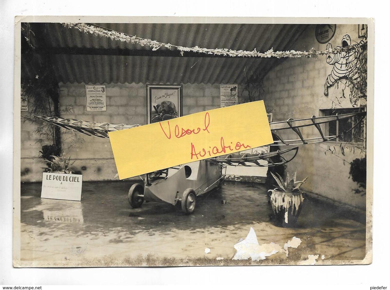 """70 - RARE Photographie De L' Avion """" Pou Du Ciel """" Prise Dans Le Garage Larue à VESOUL ( 70 ) En 1935 - Aviation"""