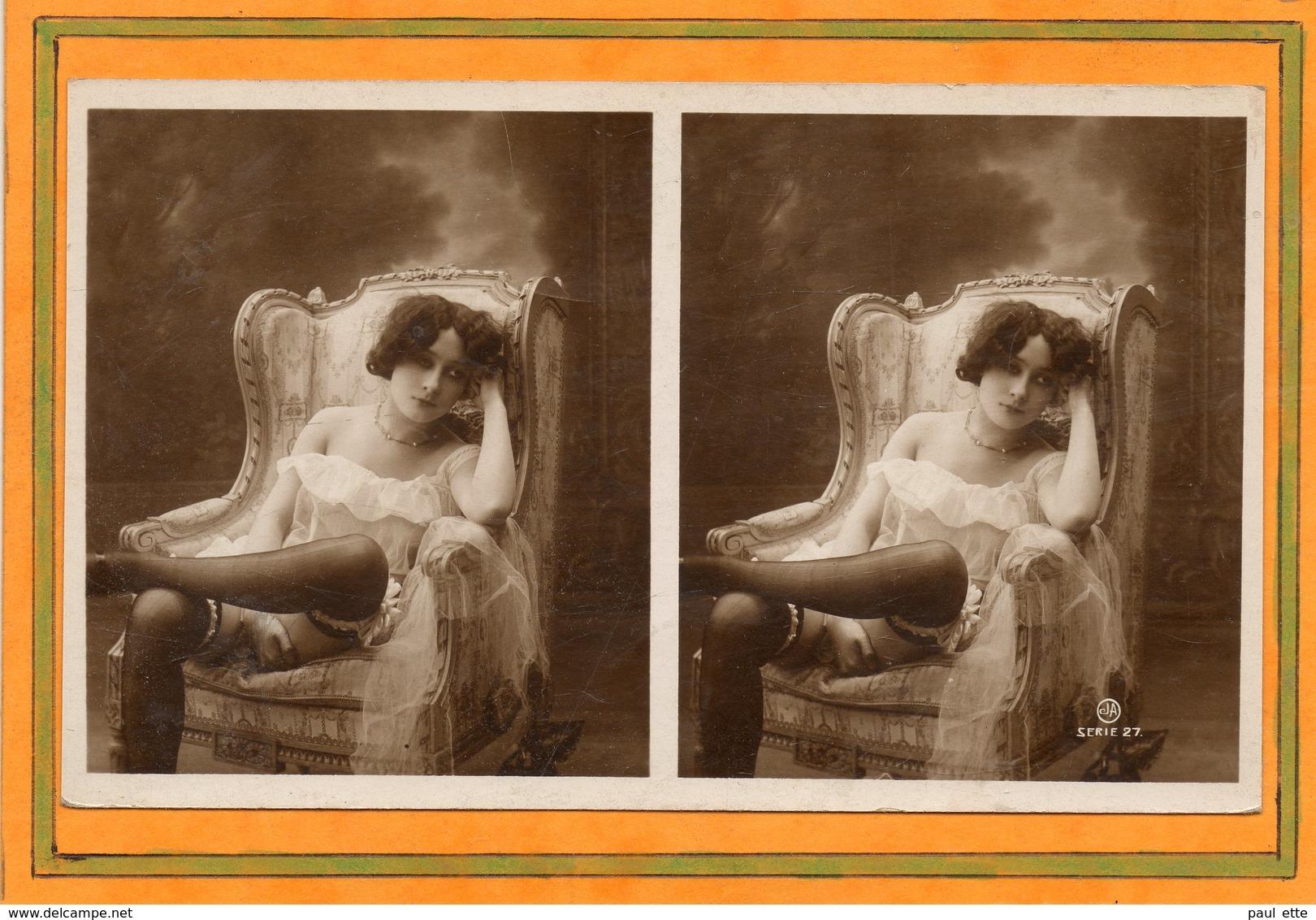 CPA - Photo érotique-stéreoscopique Femme Plus Ou Moins Nue, Légèrement Vêtue De Sous-vêtement Et Pose Suggestive - Fotografia
