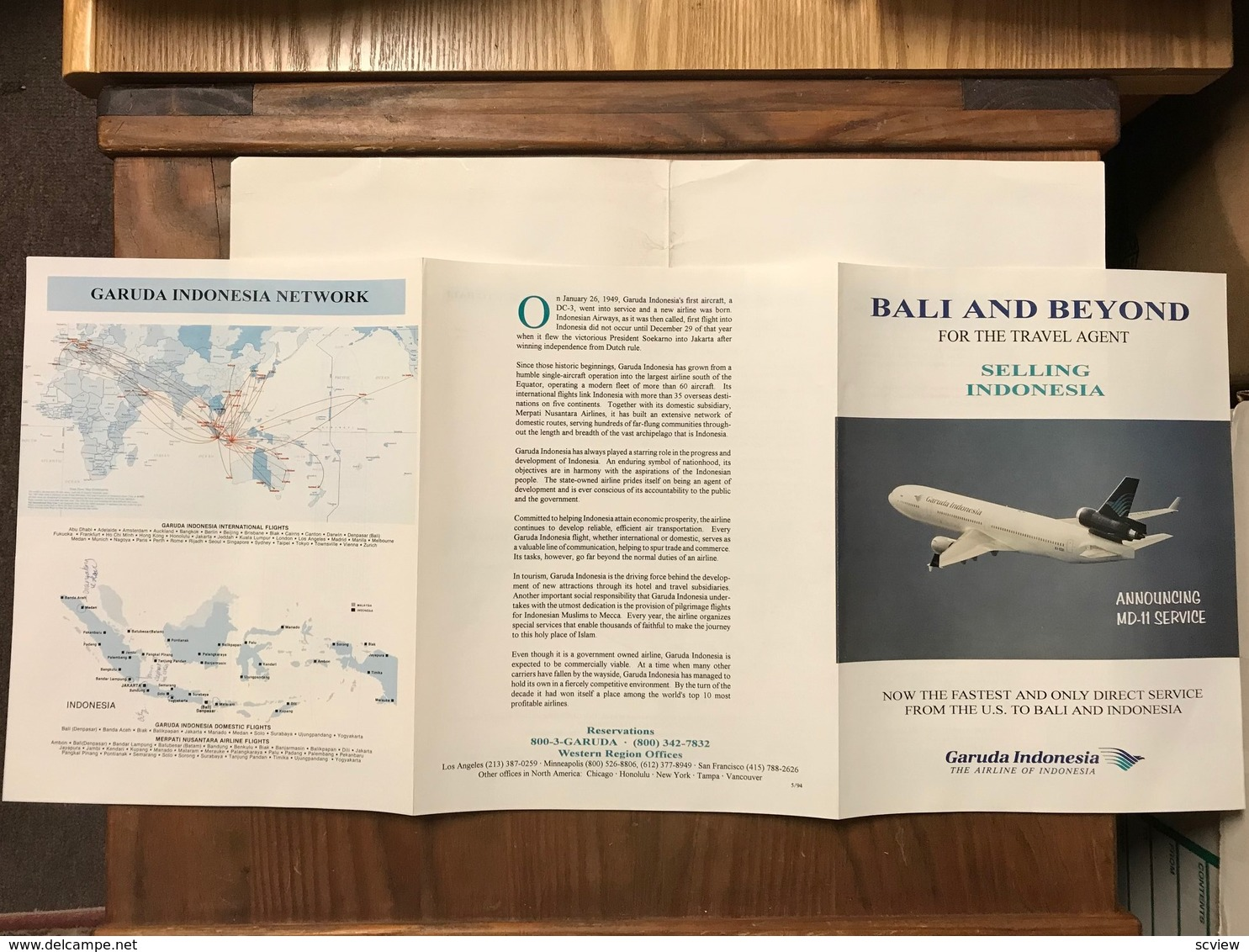 """Garuda Indonesia """"BALI & BEYOND"""" Booklet For The Travel Agent , 2002 - Indonesia"""