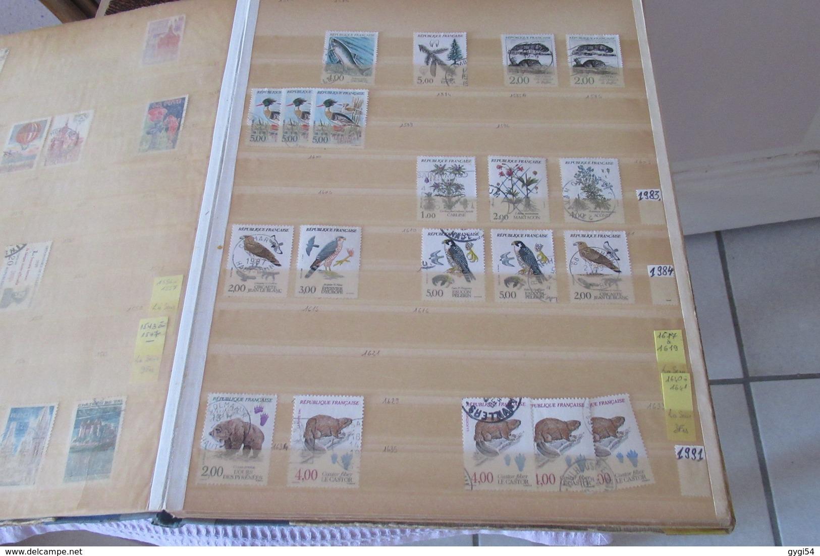 FRANCE Dans 5  Classeurs à Bandes  CAT YT  LOT  DE TIMBRES     68   SCANS - Stamps