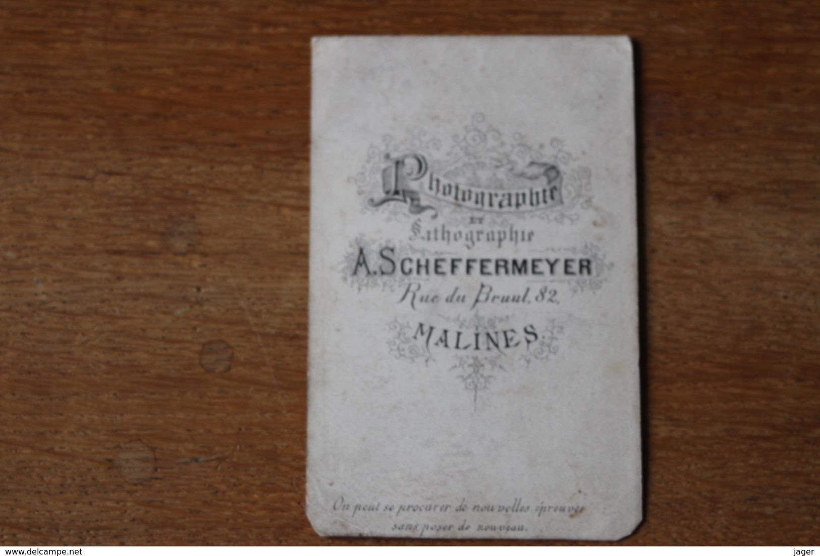 CDV Chasseur Belge Vers 1870  Chapeau à Plume Par Scheffermeyer - Guerra, Militares