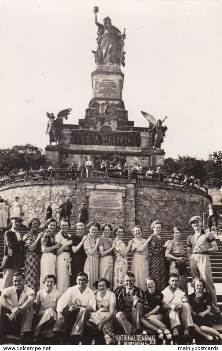 AO89 National Denkmal, Rudesheim - Large Group Of People, RPPC - Ruedesheim A. Rh.