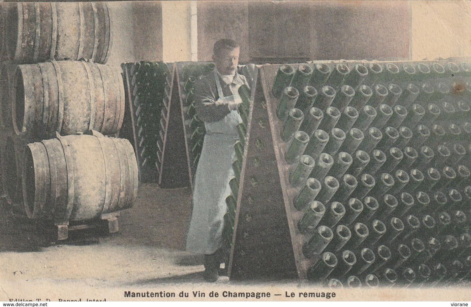 Manutention Du Vin De  Champagne - Le Remuage - France
