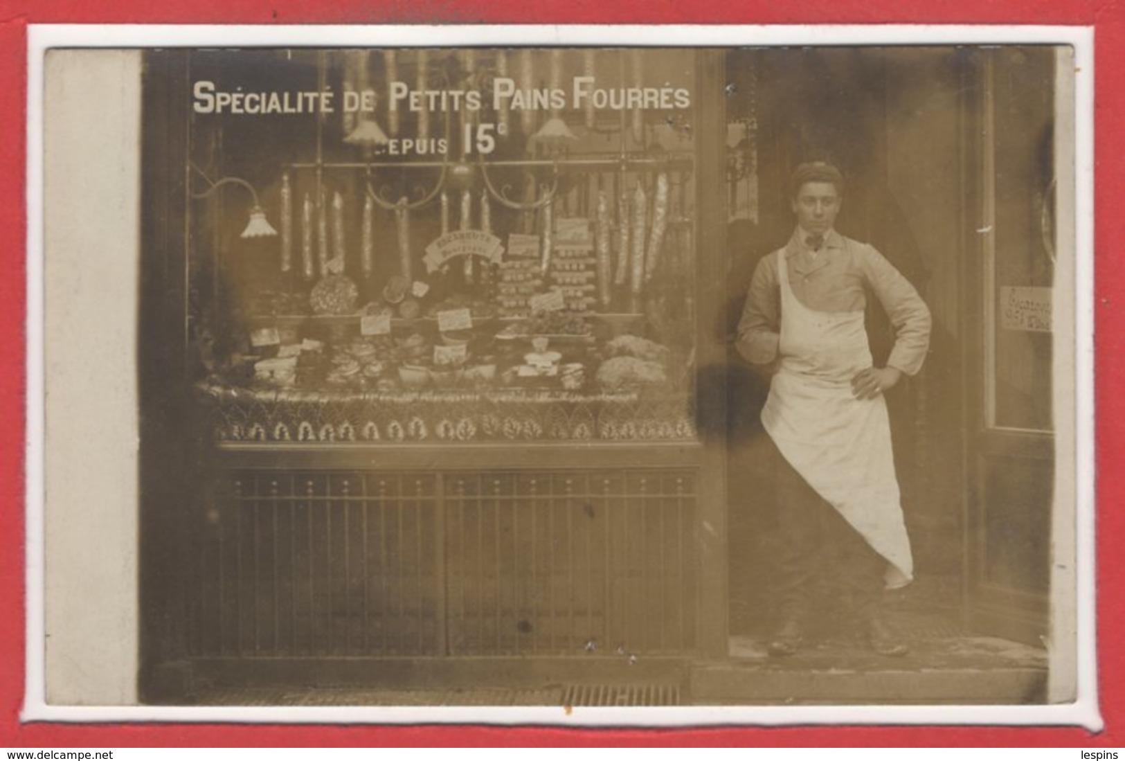 A IDENTIFIE - Carte Photo - Spécialité De Petits Pains Fourrés - A Identifier