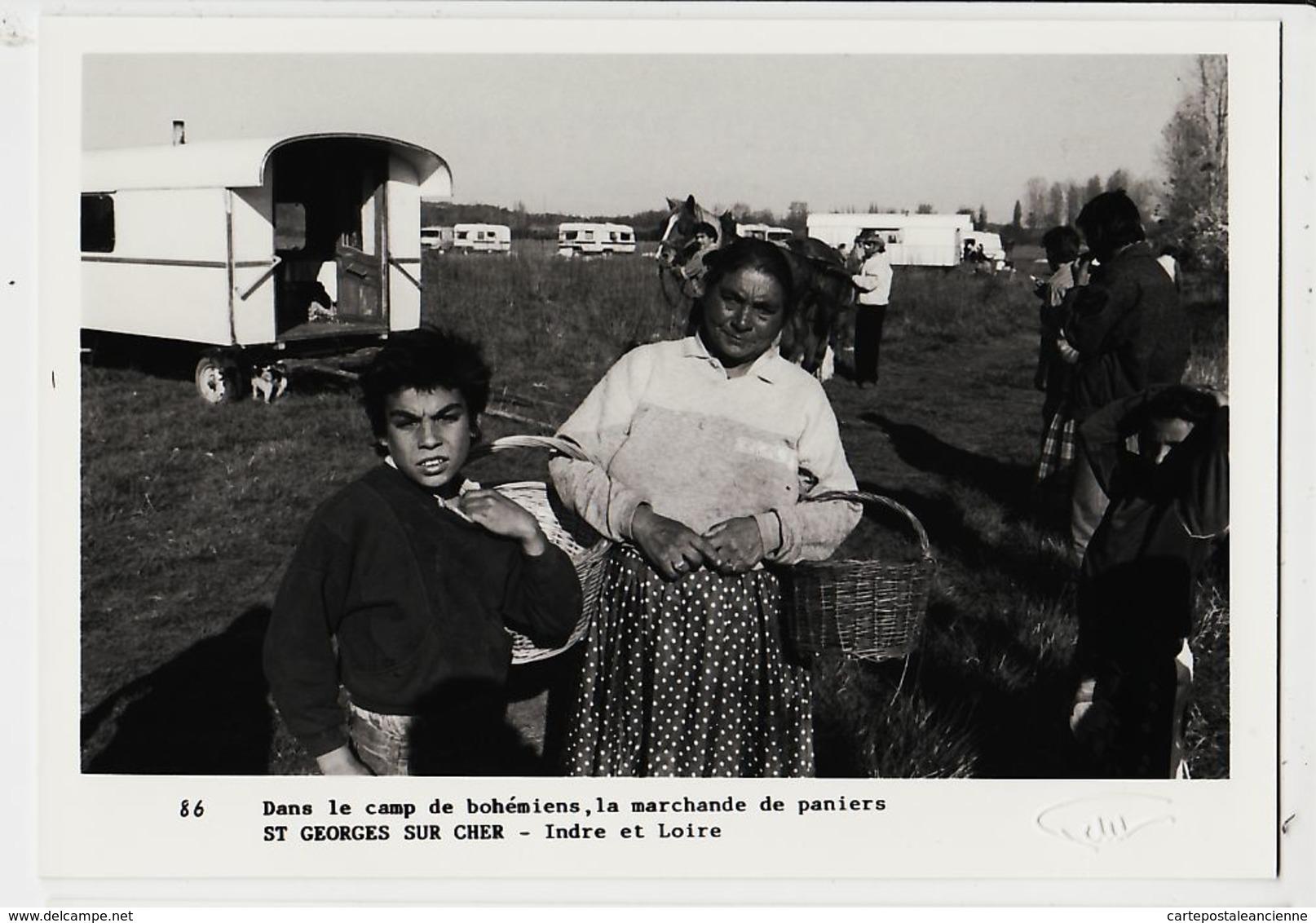 X41008 Peu Commun SAINT-GEORGES-sur-CHER Camp BOHEMIENS Marchande Paniers Osier Photo PETIT 1989 Tirage 45/100 St - France