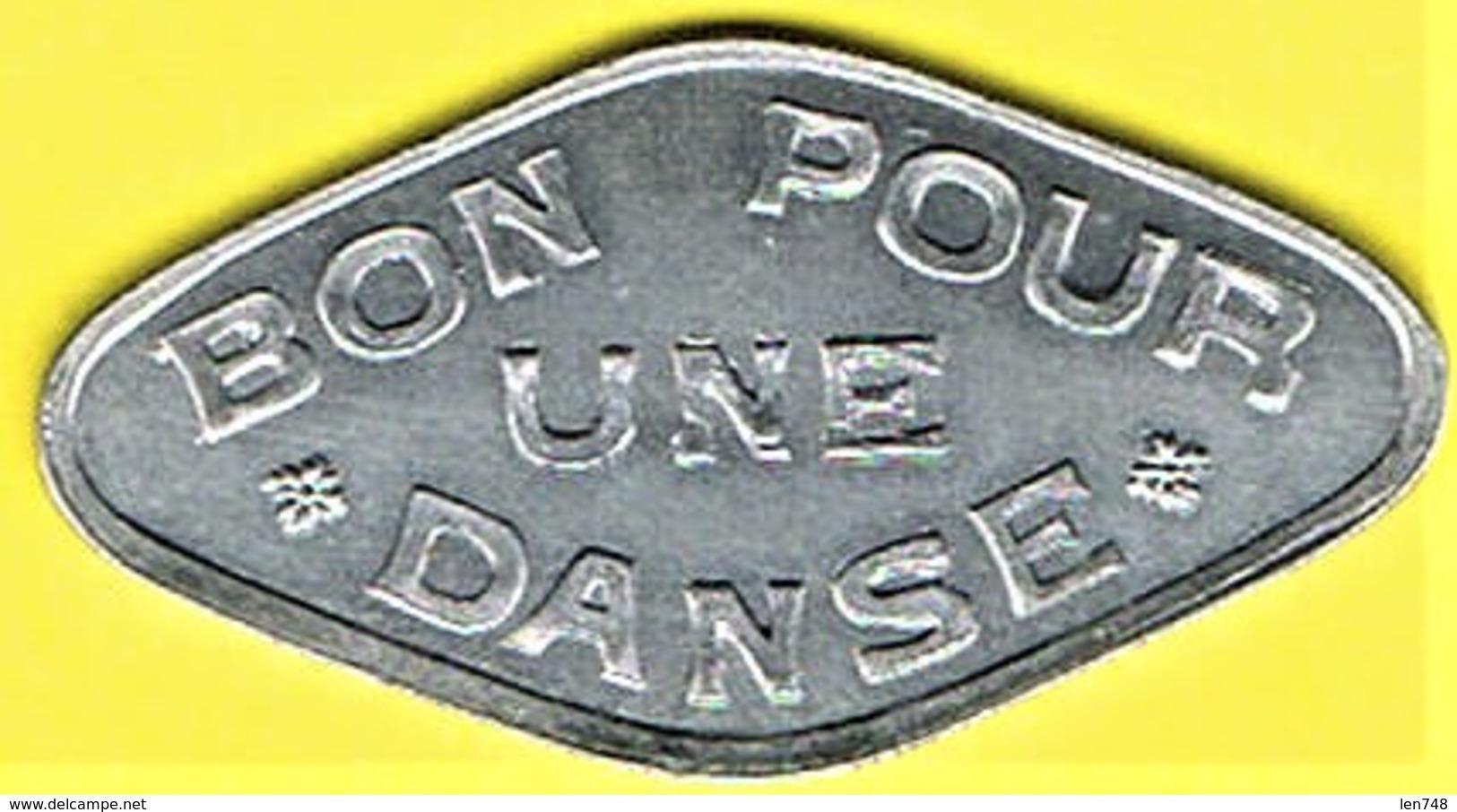 Nécessité - Jeton De Bal - A La Boule Rouge, Pouyet à PARIS - Monétaires / De Nécessité