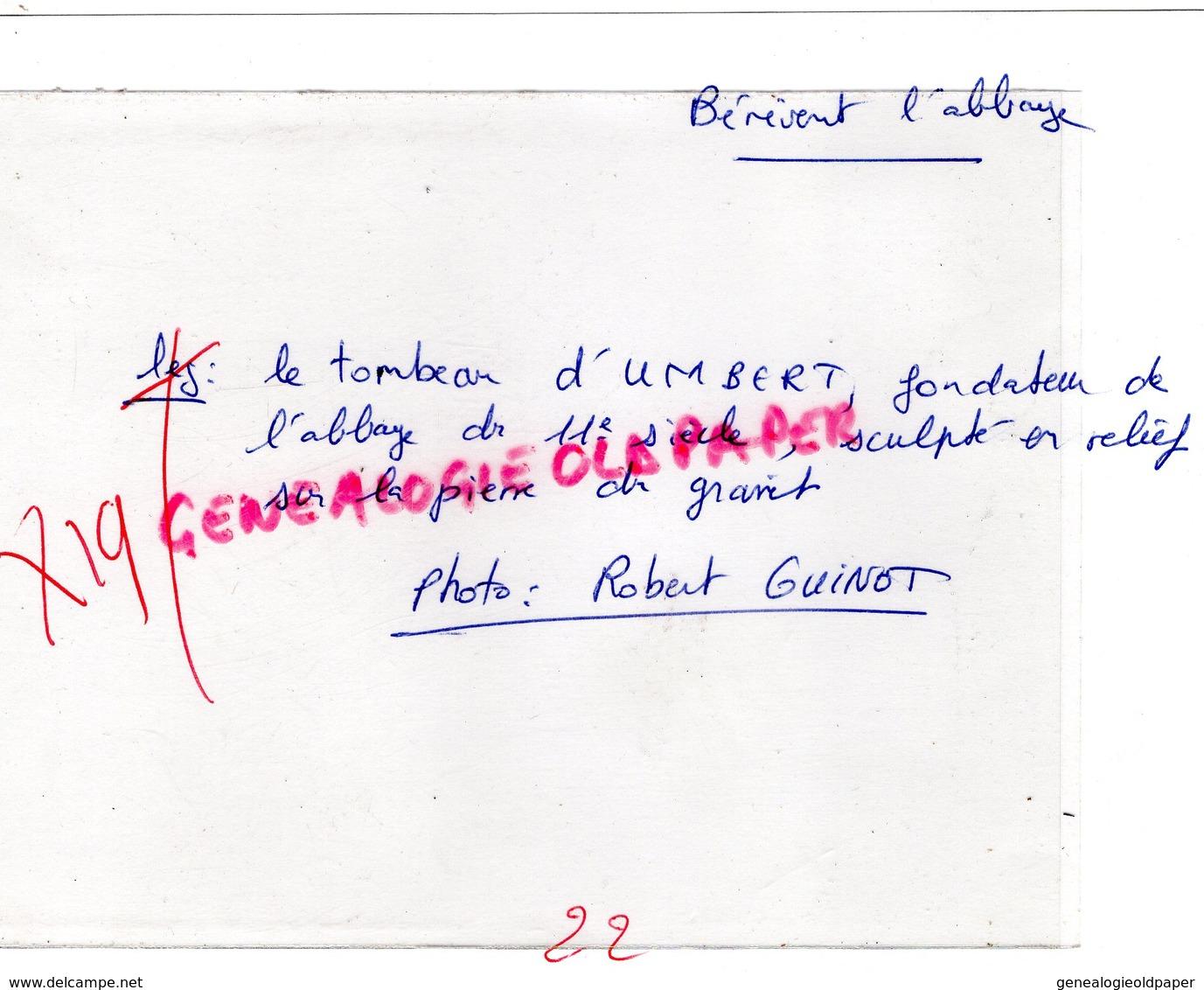 23- BENEVENT L' ABBAYE-LE TOMBEAU D' UMBERT FONDATEUR DE L' ABBAYE SCULPTE EN RELIEF - RARE PHOTO ORIGINALE - Luoghi