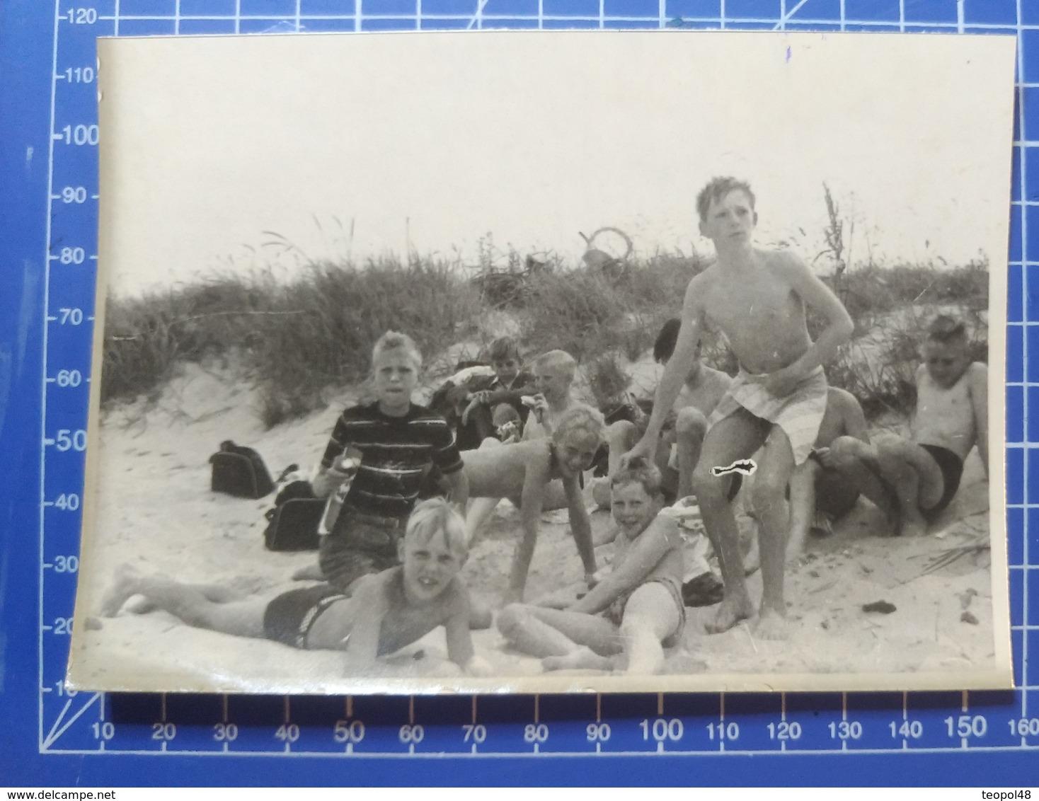 B&W Amateur Photo Boy Garcon Dad Vacation Summer - Anonyme Personen