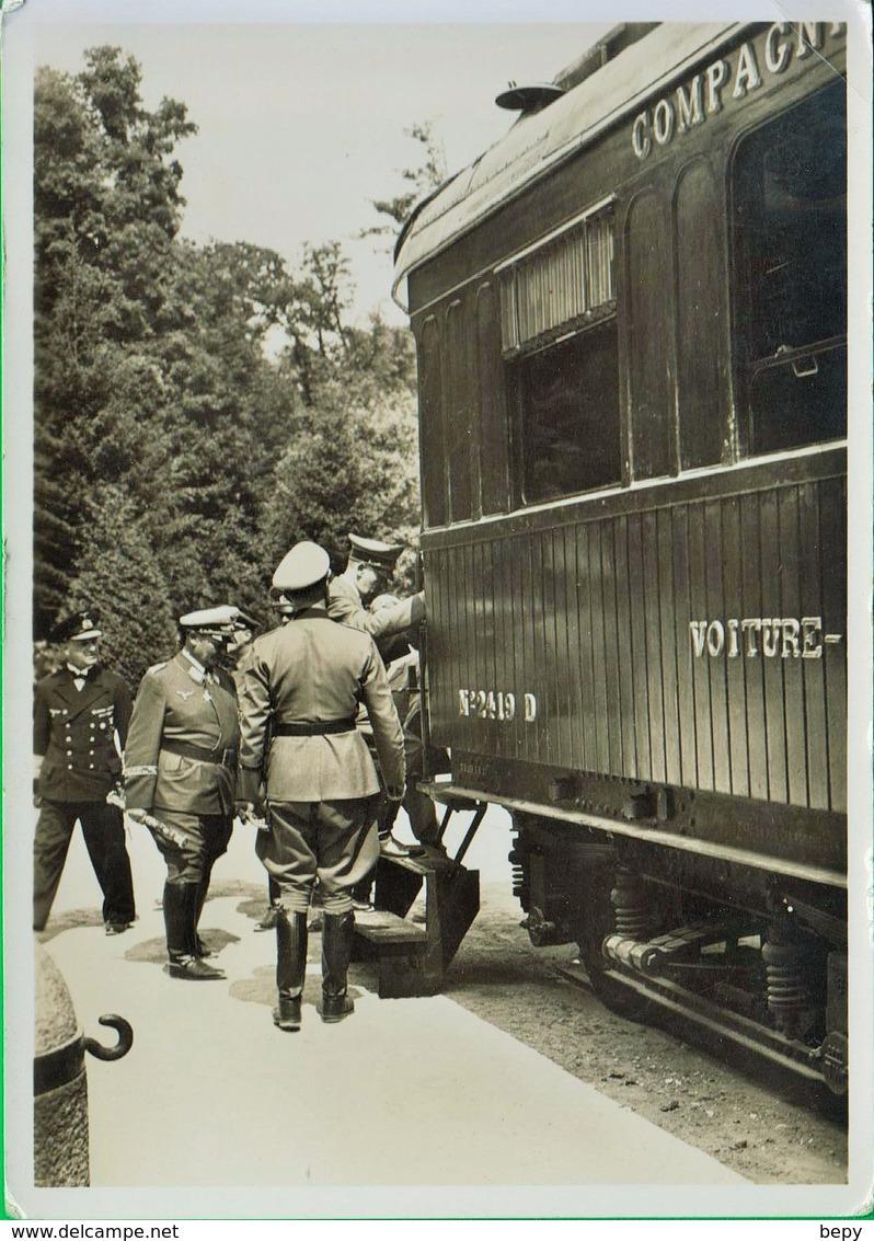 Fascio. Fascista. Fascismo. Giovani Fascisti. Uniforme. Divisa. . Avanguardisti.  Treno. Stazione. 134 - Guerra 1939-45