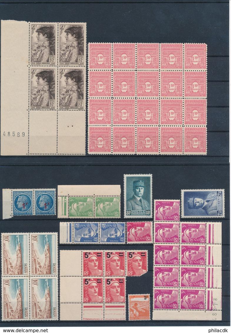 FRANCE - BELLE COLLECTION DE 1067 TIMBRES+3 EPREUVES+1 AEROGRAMME NEUFS**/* SANS OU AVEC CHARNIERE OU OBLITERES - Collections
