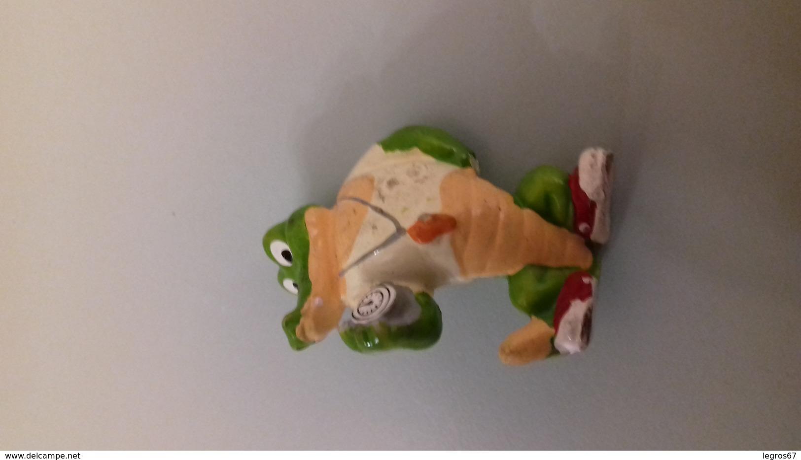 FIGURINE FERRERO CROCODILE 92 COACH - Figurines