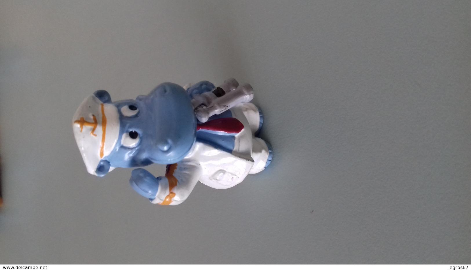 FIGURINE FERRERO HIPPOPOTAME 92 CAPITAINE - Figurines