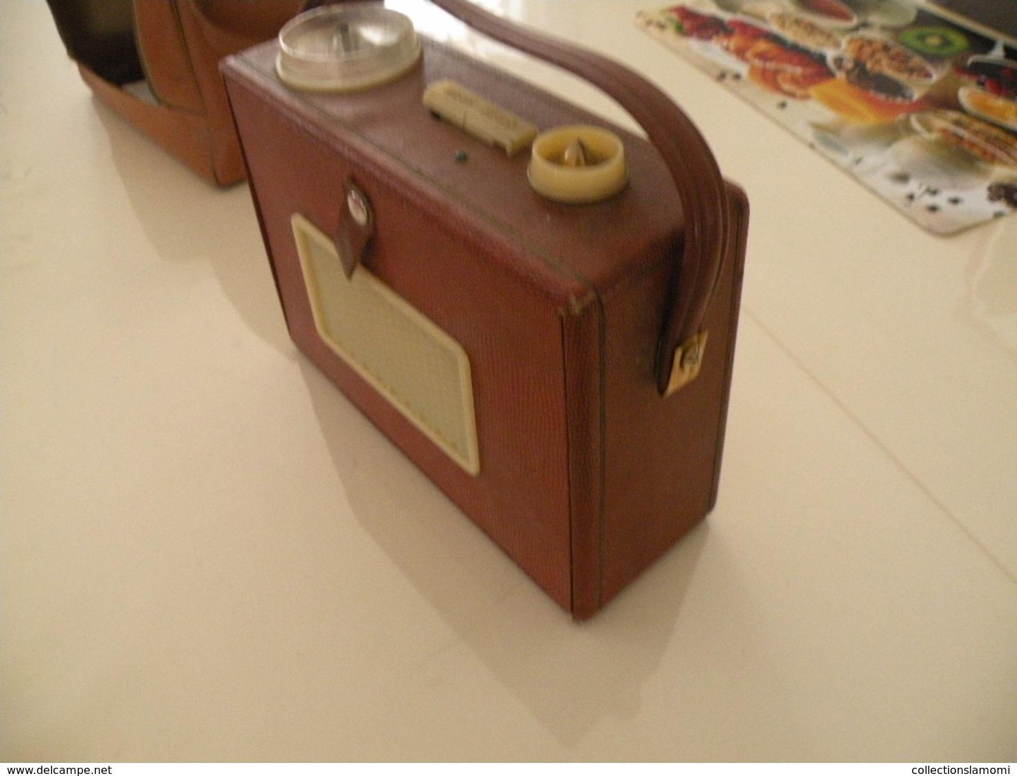 Ancienne Radio Transistor Seven (Pizon Bros) En état De Fonction (0,28cm X 0,11 Cm H 0,21) Avec Son étui En Cuir - Appareils